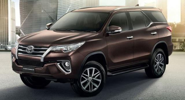 Toyota Fortuner được miễn thuế vẫn tăng giá.