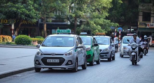 Taxi truyền thống vẫn đang kiên trì trong cuộc chiến dài hơi với taxi công nghệ