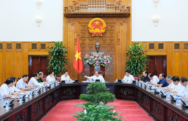 Thủ tướng: Khởi tố, điều tra một số vụ nhập phế liệu về Việt Nam