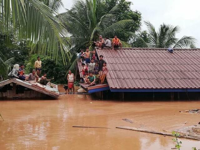 Hiện con số chính xác về số người thiệt mạng và mất tích vẫn chưa được công bố chính thức. Hơn 1.300 hộ gia đình đã bị ảnh hưởng do sự cố vỡ đập Xepian-Xe Nam Noy. (Ảnh: EPA)