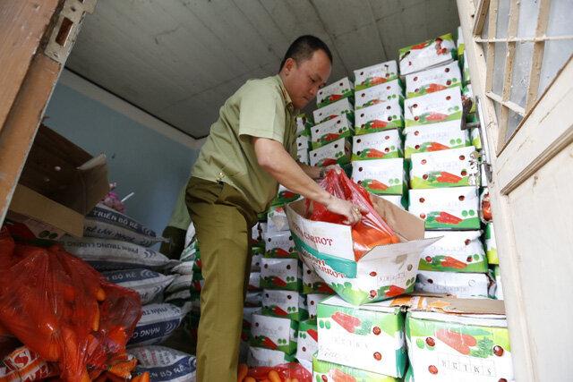 Bắt hơn 4 tấn nông sản Trung Quốc đang chuẩn bị tuồn vào Đà Lạt