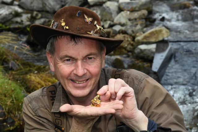 Mò được quặng vàng trị giá 1,5 tỷ đồng ở sông