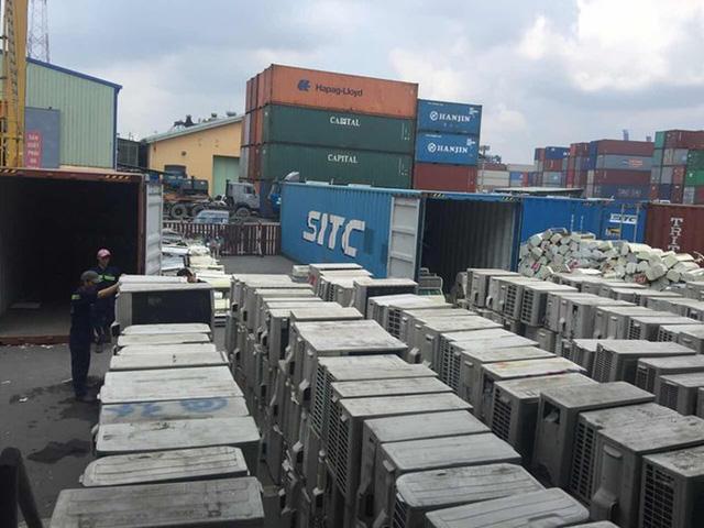 Hơn 5.000 container phế liệu ứ đọng: