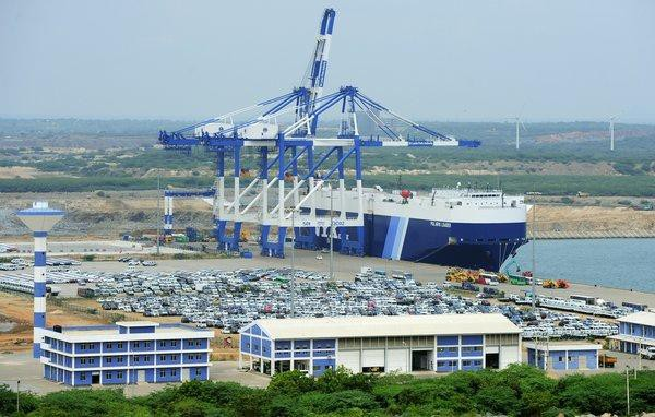 Cảng Hambantota của Sri Lanka là công trình Colombo đã cho Bắc Kinh thuê 99 năm để trang trải khoản nợ lên tới 6 tỷ USD khó có khả năng chi trả. (Ảnh: SCMP)