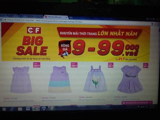 Bộ quần áo bé gái trị giá 329.000 đồng của khách hàng Trương Đinh Công Vĩnh (quận Tân Bình) mua về bị lỗi (ảnh: Đại Việt)