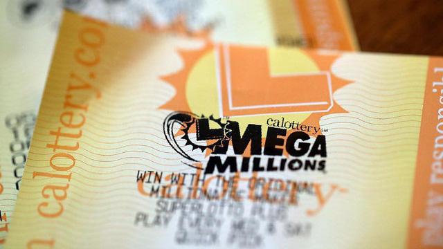 Mỗi trong số 11 nhân viên của ngân hàng Wells Fargo sẽ mang về nhà hơn 29 triệu USD trước thuế. (Nguồn: yahoo)