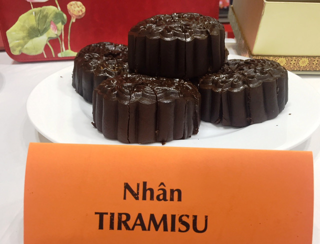 Loại bánh trung thu nhân Tiramisu được khách hàng Mỹ ưa chuộng. Ảnh: Đại Việt