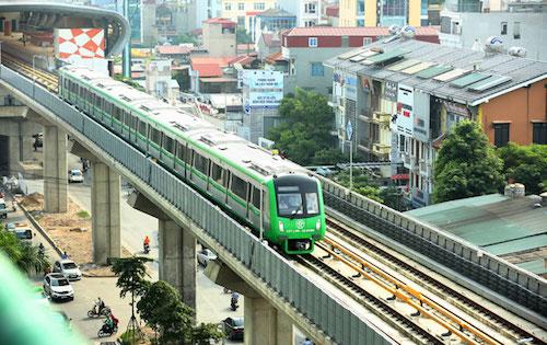 Tổng thầu đường sắt Cát Linh - Hà Đông tự ý cho người dân lên tàu