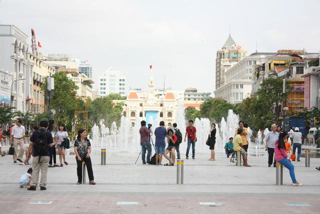 TPHCM sẽ nâng cấp phố đi bộ Nguyễn Huệ