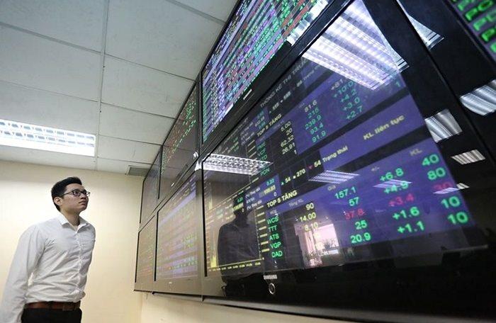 Cổ phiếu ngân hàng, dầu khí hạ nhiệt, VN-Index quay đầu giảm
