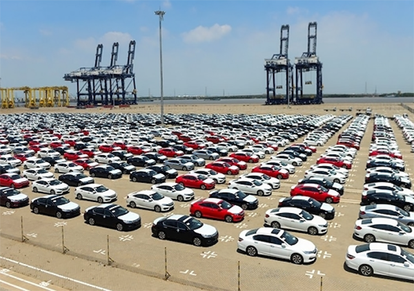Bộ Tài chính muốn bỏ 2 thông tư quy định về điều kiện đối với ô tô nhập khẩu