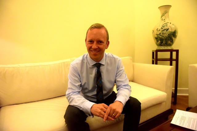 Đại sứ Anh tại Việt Nam Gareth Ward (Ảnh: Toàn Vũ)