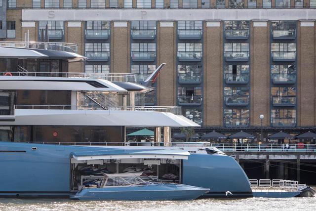 Du thuyền thậm chí còn có tàu cao tốc và ván trượt. (Nguồn: WENN)