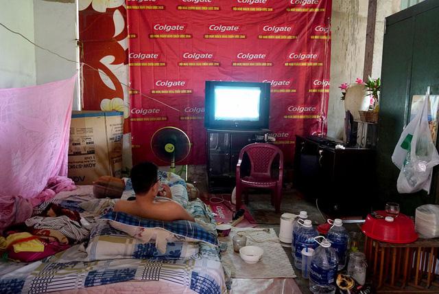 Cuộc sống bên trong xóm lao động ở biệt thự hoang giữa lòng Sài Gòn