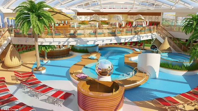 Con tàu có công viên nước lớn và nhiều khu vực bể bơi với chủ đề nhiệt đới khiến mọi người luôn có tinh thần như đang trong kỳ nghỉ lễ.