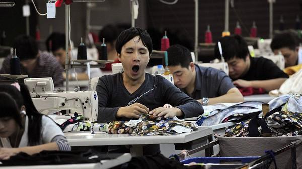 """Nhiều nhà máy Trung Quốc bắt đầu """"nếm mùi"""" chiến tranh thương mại"""