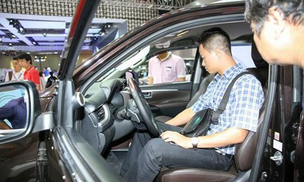 Nhiều đại gia ô tô Việt điêu đứng vì doanh số giảm trong tháng cô hồn