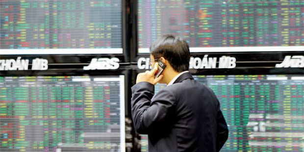 Tình trạng giao dịch chui cổ phiếu của các sếp doanh nghiệp vẫn diễn ra phổ biến