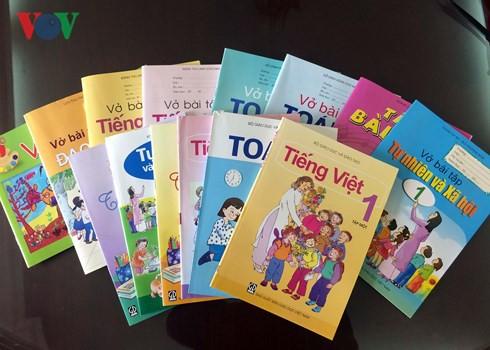 NXB Giáo dục Việt Nam trong nhiều năm qua là đơn vị độc quyền SGK (ảnh: VOV)