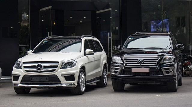Nhiều đại gia xe hơi gặp hạn ở Việt Nam vì doanh số giảm mạnh.