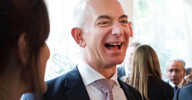 Tỷ phú Jeff Bezos hiện có giá trị tài sản ròng ước tính 156 tỷ USD. (Nguồn: Sarah L. Voisin | The Washington Post | Getty Images)