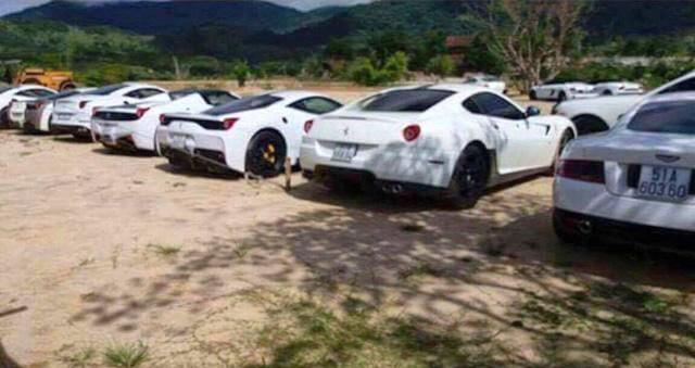 Màu trắng rất được ông Vũ ưa chuộng trên các siêu xe.