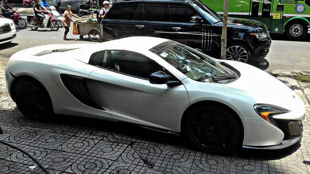 Đặng Lê Nguyên Vũ bán McLaren 650S Spider màu trắng.