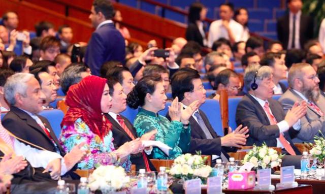 Chủ tịch Quốc hội Nguyễn Thị Kim Ngân tham gia sự kiện. (Ảnh TTXVN)