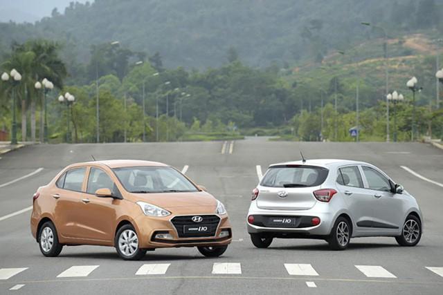 Mẫu Grand i10 hiện được lắp ráp tại Việt Nam với 8 phiên bản khác nhau, bao gồm cả bản 4 cửa (sedan) và 5 cửa (hatchback).