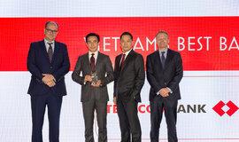 """Techcombank nhận giải thưởng danh giá """"Ngân hàng tốt nhất Việt Nam 2018"""" từ EuroMoney"""