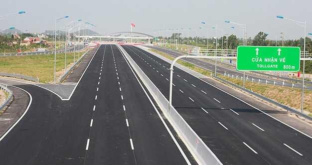 Đường cao tốc Nội Bài - Lào Cai sẽ xây dựng theo hình thức BOT
