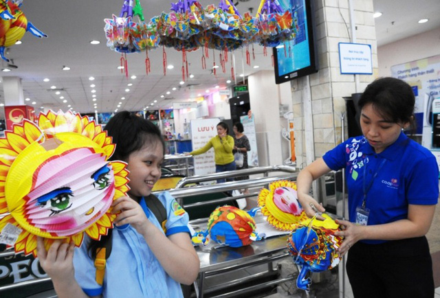 Bên cạnh đó, các loại trò chơi Tết Trung thu cũng ưu tiên hàng Việt Nam.