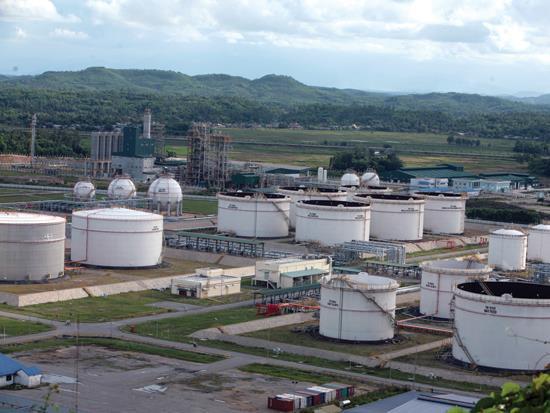 Petrolimex xin Chính phủ cho dừng thực hiện dự án lọc hóa dầu Nam Vân Phong để tập trung vốn cho dự án khác.