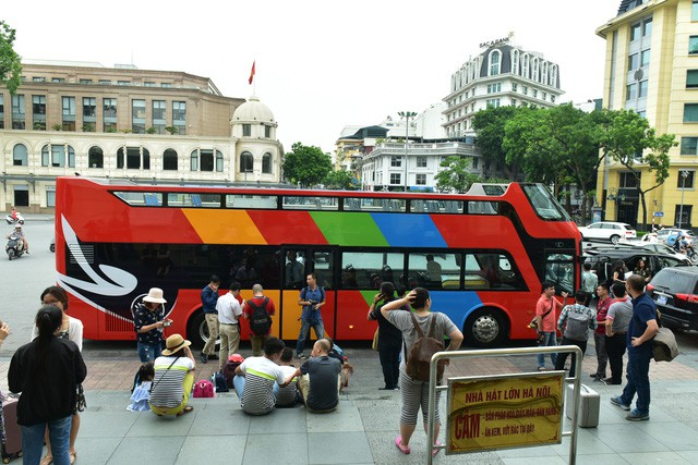 Chính thức thí điểm ô tô 2 tầng chở khách du lịch tại 7 tỉnh thành