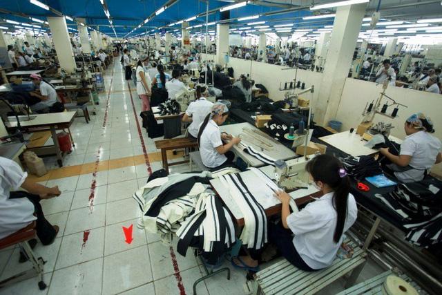 Doanh nghiệp dệt may cũng lao đao vì khó tìm được lao động có kỹ năng do công tác đào tạo nguồn nhân lực tại Việt Nam vẫn chưa đáp ứng được nhu cầu thị trường.