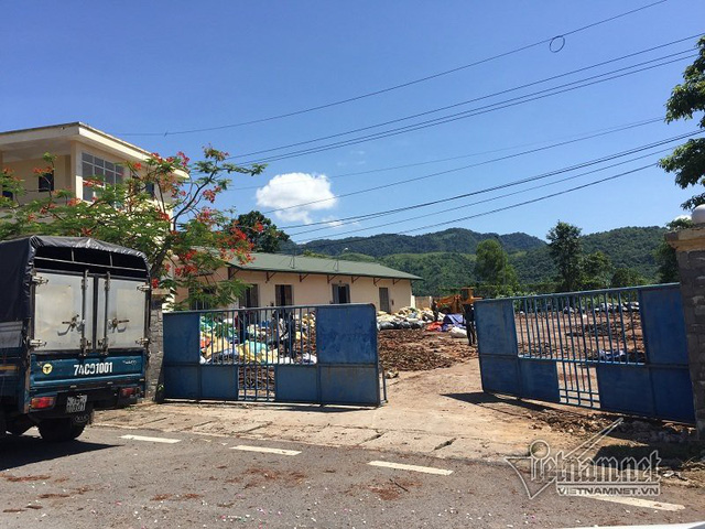 Nhà làm việc Hải quan Khu kinh tế Lao Bảo trở thành nơi phơi tràm