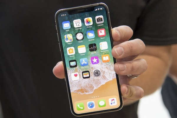 Không phải XS Max, iPhone X mới là mặt hàng đang bán chạy nhất