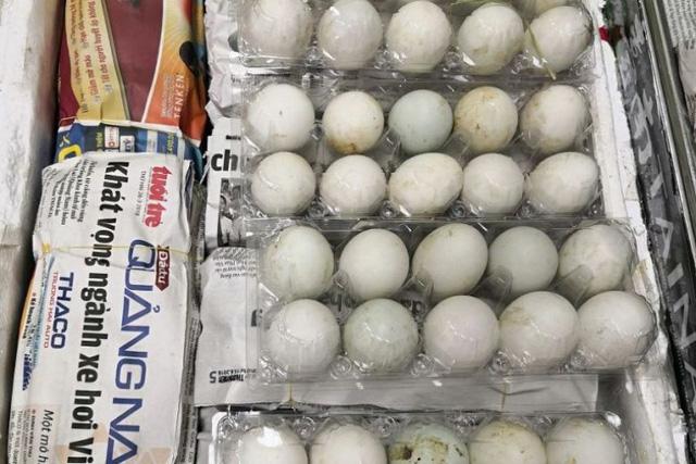 Số trứng vịt lộn bị bắt ở sân bay Singapore (Ảnh: AVA)