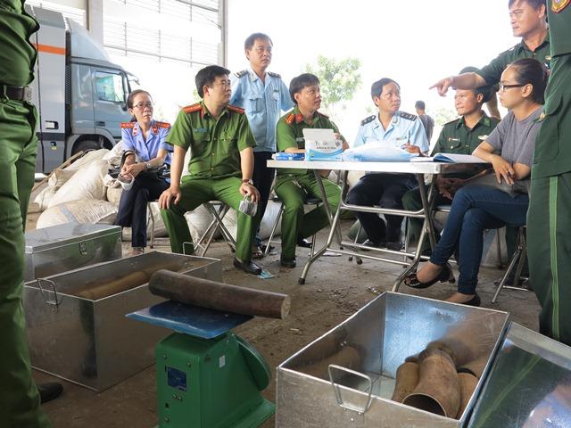 Hơn 8 tấn ngà voi và tê tê bị bắt giữ tại Đà Nẵng