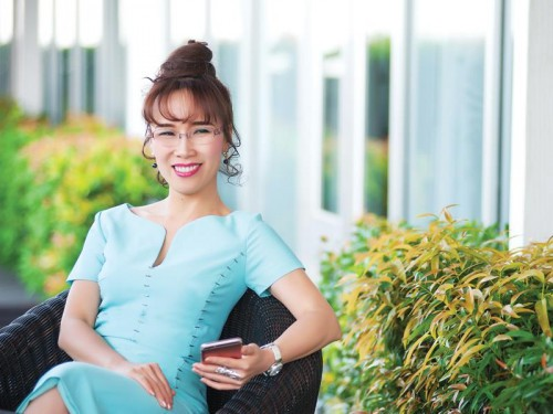 Bà Nguyễn Thị Phương Thảo đã lấy lại hơn 300 tỷ đồng trong tài sản cổ phiếu vào sáng nay.