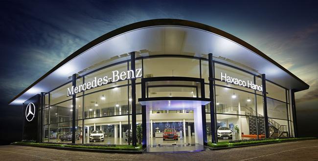 """""""Ông lớn"""" phân phối Mercedes lãnh phạt, cổ phiếu lập tức lao dốc"""