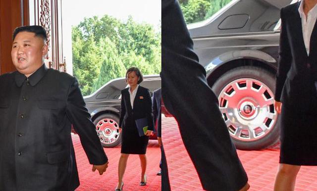 Chữ R đặc trưng của Roll Royces hiện trên vành lốp chiếc xe chở ông Kim Jong-un (Ảnh: Twitter)