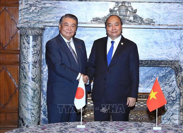 Thủ tướng Nguyễn Xuân Phúc hội kiến Chủ tịch Hạ viện Nhật Bản, Ngài Tadamori Oshima (Ảnh: TTXVN)
