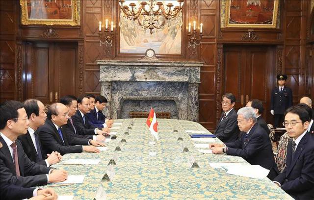 Thủ tướng Nguyễn Xuân Phúc hội kiến Chủ tịch Thượng viện Nhật Bản, Ngài Chuichi Date (Ảnh: TTXVN)