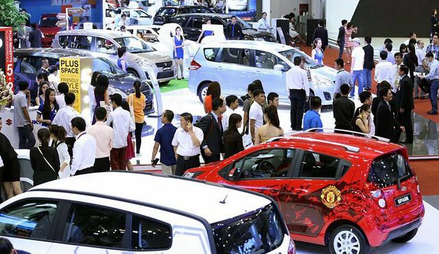 Tiêu thụ xe thời điểm gần cuối năm tăng mạnh, cả thị trường xe lắp ráp trong nước và xe nhập khẩu.