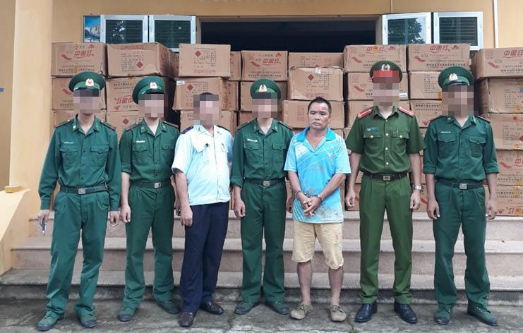 Bắt đối tượng Trung Quốc tuồn 2 tạ pháo nổ vào Việt Nam