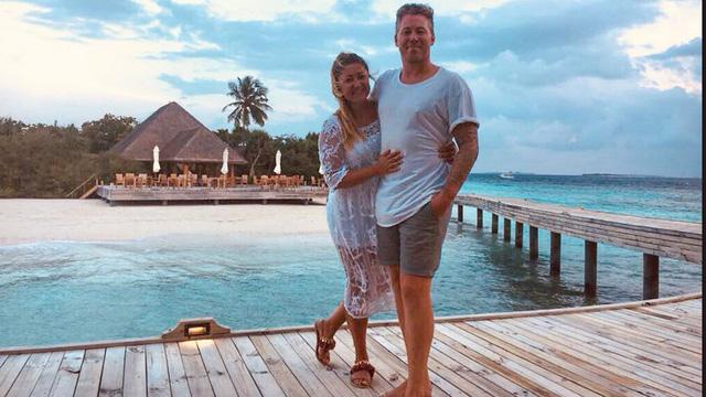 Cặp đôi đến từ London đã quyết định mua một khách sạn họ ở trong kỳ trăng mật vào lúc say rượu. (Nguồn: FN)