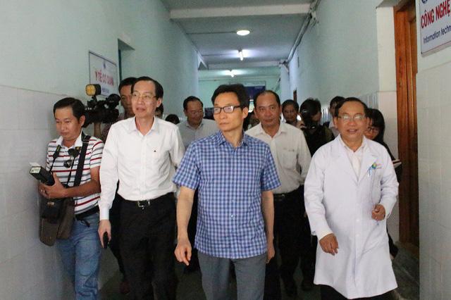 Phó Thủ tướng đi thị sát, bệnh viện xin tự chủ theo hướng doanh nghiệp