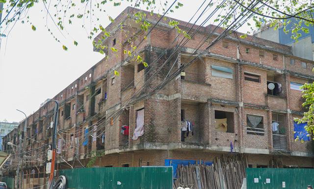 Biệt thự, nhà liền kề hàng chục tỷ thành khu ổ chuột