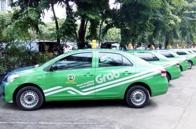 Theo kiến nghị của Bộ GTVT, xe grab sẽ phải gắn mào như xe taxi truyền thống (ảnh: Internet)